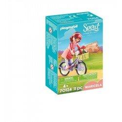 Maricela con bicicleta